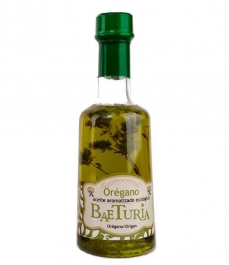 baeturia olive oil of oregano in transparent bottle of 250 ml