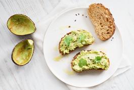 Die Avocado, Königin des Frühstücks.